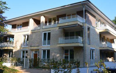 Neubau: Schöne Wohnung mit Garten und Tiefgarage